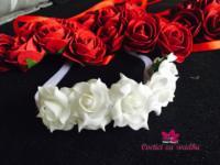 Cvetne trakice sa tri ruzice 200din Cvetne trakice sa 5 ruziaca 350 din